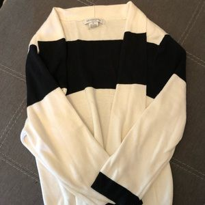 Liz Claiborne pull on sweater